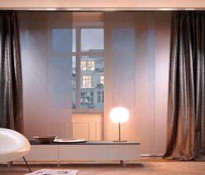 Leuchte, Flächenvorhang und Stoffvorhang Kombination