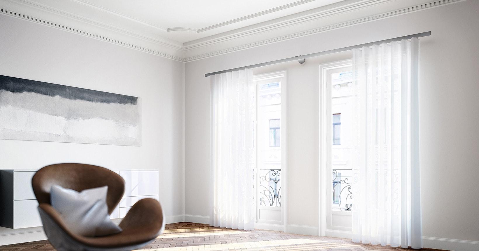 Fenster mit Vorhangschienen / Gardinenstange